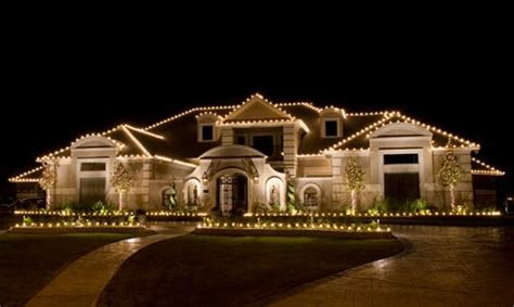 attching christmas lights to moden house outdoor lights safety tips design ideas from topbulb