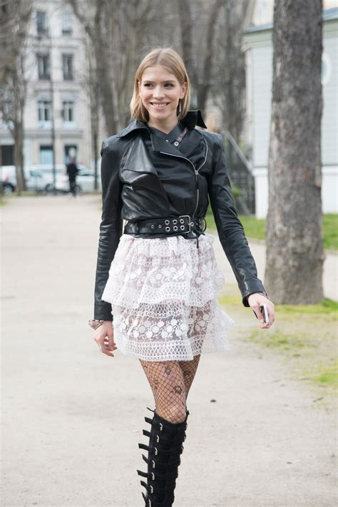 patterned tights vogue how to wear pattern tights alexa chung teen vogue