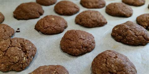 biscotti fatti in casa ricetta biscotti al cioccolato fatti in casa ricette facili e veloci