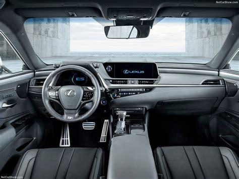 Nowy Lexus Nx 2019 by 新型レクサスesの Quot 内装 Quot 最新情報 後部座席は狭いのか 車情報ラウンジ Amg