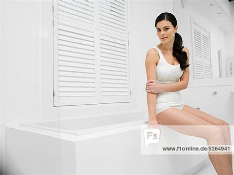 Frau In Badewanne by Frauen In Der Badewanne My