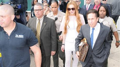 Lindsay Lohan Booed For Poor Hosting 2 by Best Social Of The Week Plus Monk Replaces