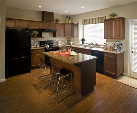 how to clean wood cabinets best 25 cleaning wood cabinets ideas on