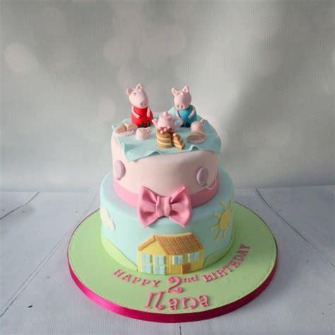 Peppa Pig 2 tier cake