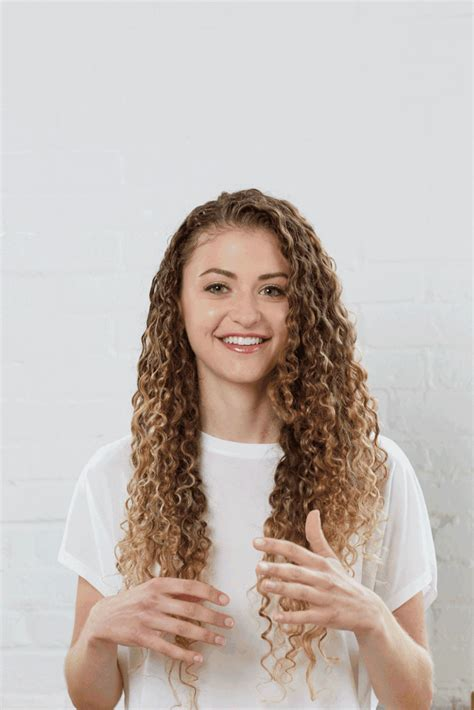 Drying Really Curly Hair by How To Use Shoo On Curly Hair Popsugar