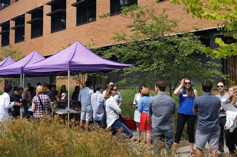 Uw Foster Mba Part Time by Building A Community Admitted Student Events Foster