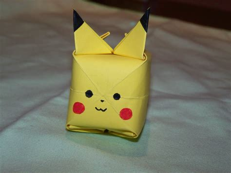 Origami Pikachu Box - how to create an origami pikachu from a post it note
