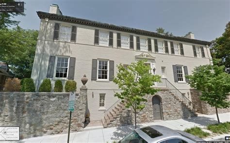 pics ivanka trump jared kushner s dc mansion see inside of beautiful home hollywood life ivanka trump and jared kushner settle on a 5 5 million