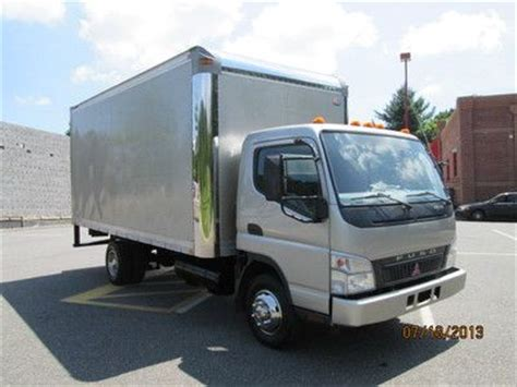 mitsubishi fuso box truck purchase used 2006 mitsubishi fuso fe145 16ft box truck