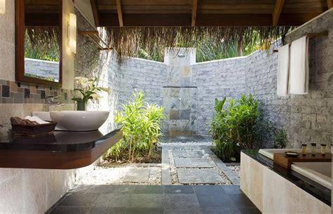 desain kamar mandi semi terbuka tips desain kamar mandi semi outdoor jual apartemen com