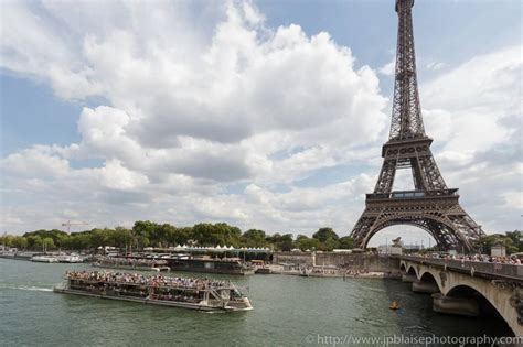 un bateau mouche sur la seine top 10 des activit 233 s romantiques pour votre voyage 224 paris