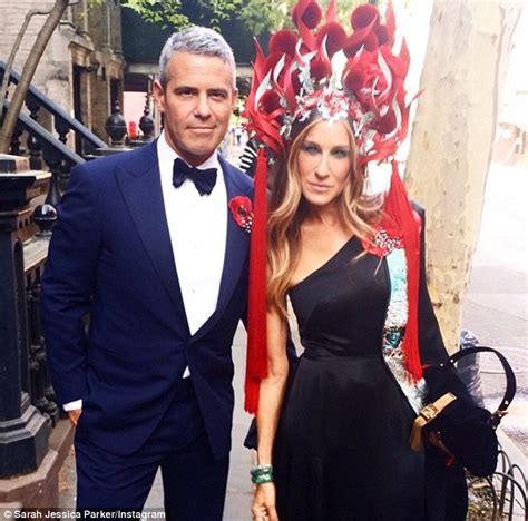sarah jessica parker takes chinese theme too far in flaming headdress at met gala daily mail sarah jessica parker takes chinese theme too far in flaming headdress at met gala daily mail