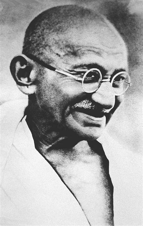 biography of karamchand gandhi the real life mahatma gandhi 21 actors who won oscars