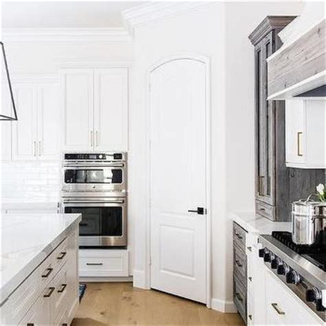 Corner Pantry Design Ideas