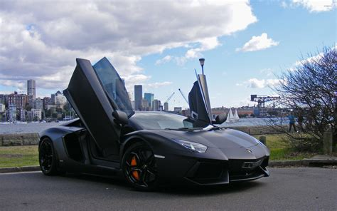 Lamborghini Doors Open Lamborghini Aventador With Doors Open Wallpaper Car