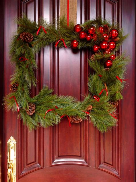 how to make an oversized square wreath
