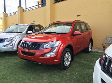mahindra xuv500 w8 automatic pricing and specifications