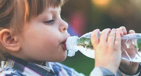 dehydration in toddlers what to eat and drink after food poisoning to treat symptoms