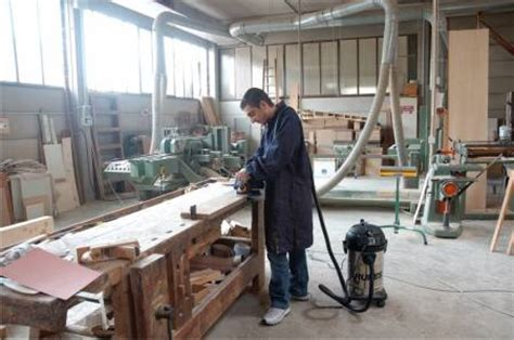 dust extraction woodworking wood sawdust wood chipping extraction systems units