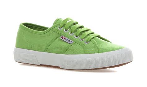superga unisex 2750 cotu classic green canvas trainers