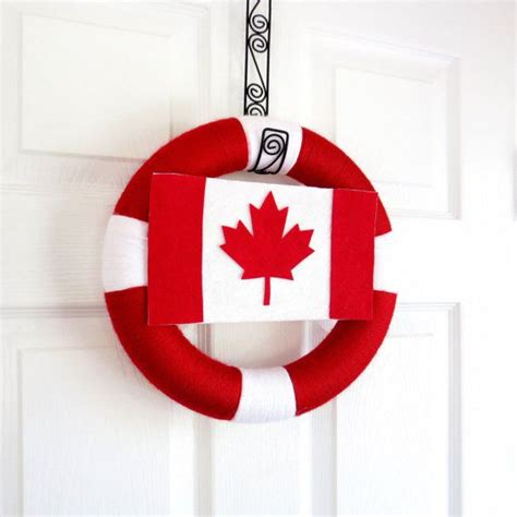 canadian crafts for 1000 images about canada day wreaths on yarns