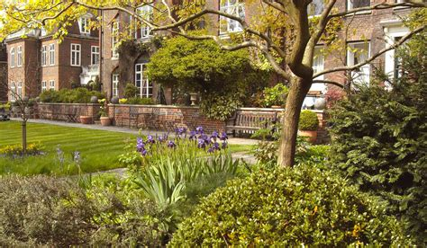 pictures of garden westminster abbey 187 abbey gardens