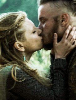 does ragnar and lagertha get back together gif lagertha and ragnar kiss scene in season 1