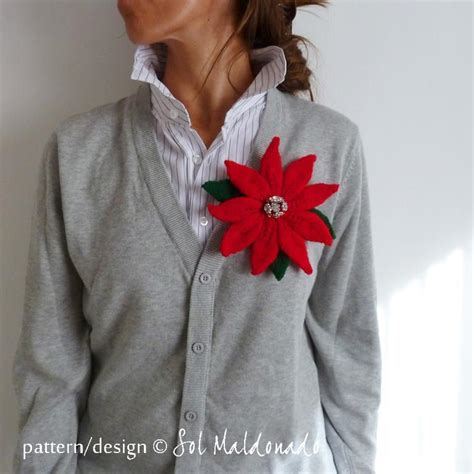 knitted poinsettia knit and crochet poinsettia flower patterns