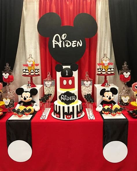 De 25 Bedste Id 233 Er Inden For Mickey Mouse Baby Shower P 229 Mickey Mouse Table