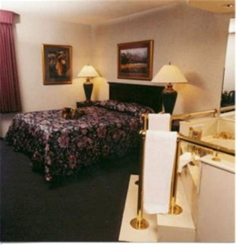 hotels with tubs in room indianapolis quality inn suites indianapolis in b b reviews tripadvisor