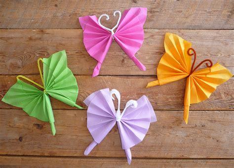 Pliage Serviette En Papillon by Pliage De Serviette En Papier En Forme De Papillon Pliage