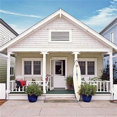 beach house bungalow garden and bungalow front porch ideas front porch beach cottage ideas pinterest