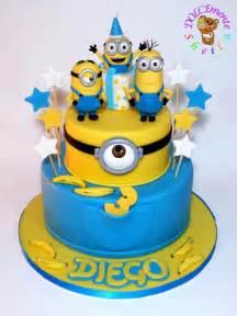 minions kuchen best 25 minions birthday cakes ideas on