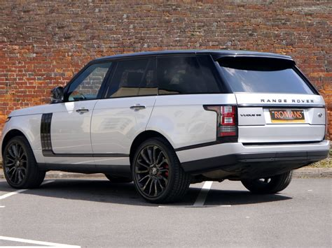 range rover black land rover range rover vogue se black pack 22 alloys