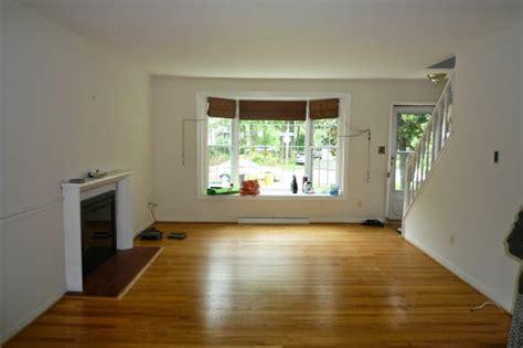 utuy design empty living room space