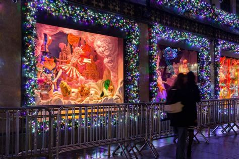 christmas window displays   york city