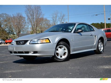 2000 ford mustang v6 silver metallic 2000 ford mustang v6 coupe exterior photo