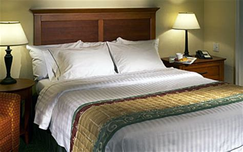 Marriott Hotel Pillows Brand by Luxury Bedding Yenra