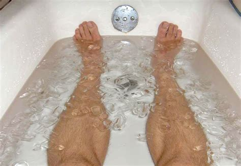 ice bathtub how to do an ice bath and is it worth it tall guy running