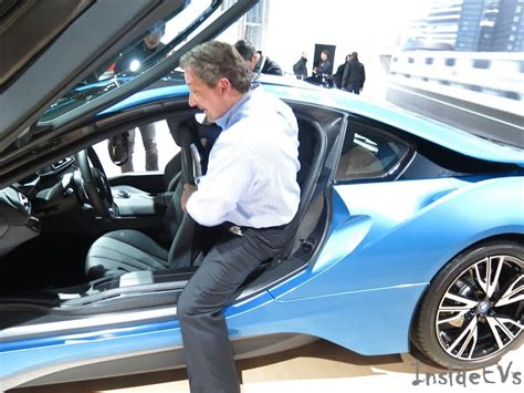 how to guide bmw i8 rear seat entry