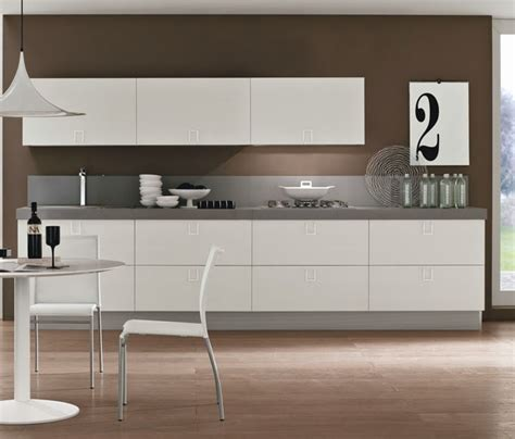 meraviglioso Cucina Moderna Bianca #1: cucina-bianca-laccata-moderna-essential-white-offerta-convenienza_O1.jpg