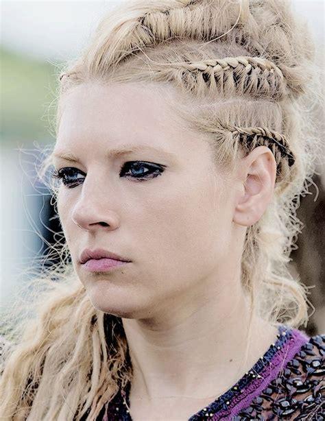 how to plait hair like lagertha lothbrok best 25 lagertha hair ideas on pinterest viking hair