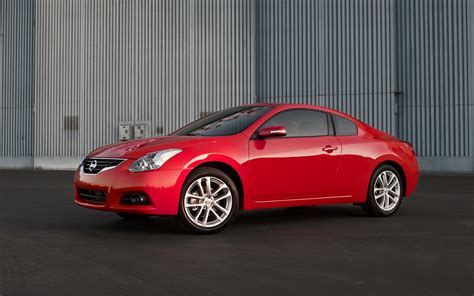 nissan coupe 2012 2012 nissan altima coupe photo gallery motor trend