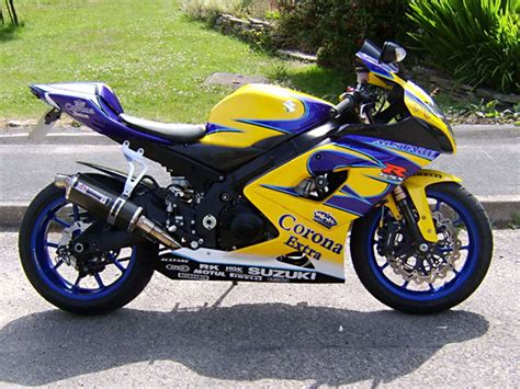 06 Suzuki Gsxr 1000 by Suzuki Gsxr 1000 2005 Aftermarket Road Fairing Kit