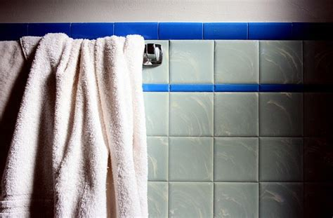 how to thoroughly clean your bathroom how to clean your bathroom like a pro one good thing by