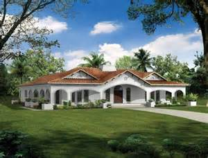u shaped house with courtyard u shaped house plans with courtyard more intimacy