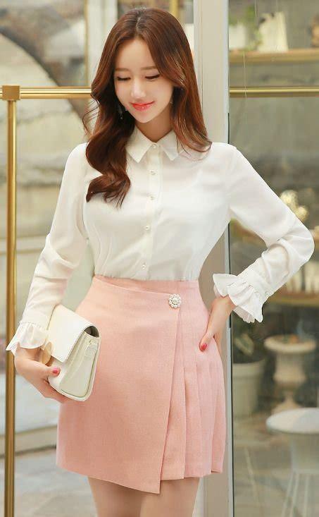 Kaos Cewek Cewek Army Korea White mau penilanmu jadi trendi ala cewek korea coba saja 10 padu padan a line skirt berikut ini