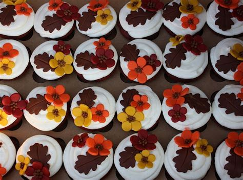 fall cupcake decorations fall cupcakes decorating ideas