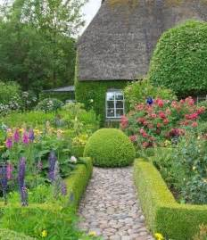 Formal Cottage Garden Ideas - english garden path g a r d e n pinterest