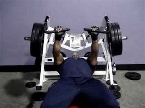 hammer strength bench press bench on the hammer strength flat youtube
